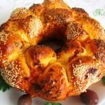 Пълнена солена кекс-погача - непременно опитайте за празниците