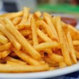 Следващия път когато пържите картофи използвайте този малък трик, за да станат истински хрупкави и с фантастична коричка