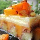 Сладкиш Сочната хапка - с ванилов и кайсиев крем, много плодове и размазващ вкус!