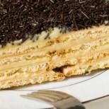 Класическа бисквитена торта с ванилов крем - винаги актуална, вкусна и подходяща за всеки повод