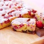 Само седем минути и ще изживеете истински ягодов екстаз: Толкова е необходимото време за забъркването на този сладкиш!