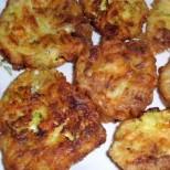 Пухкави кюфтенца от тиквички със сирене и кашкавал - перфектни за пролетното меню