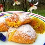 Специални пълнени курабии с крем - пръхкави и нежни, с изкусителен аромат на масълце и кокос