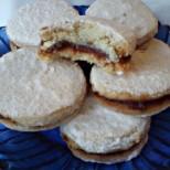 Класически ванилени масленки с орехи и мармалад - като онези, които изрязвахме с чашка заедно с мама навремето