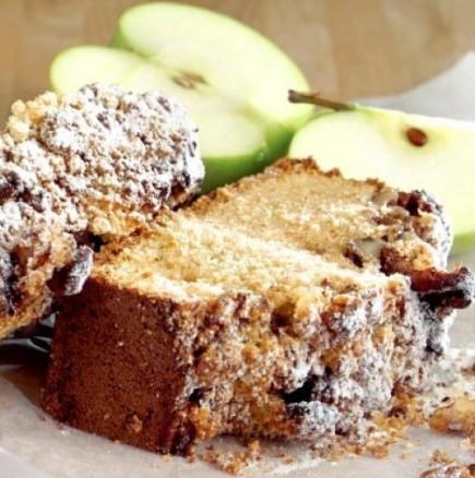 Бързо и лесно кексче с ябълки - за нула време кухнята ви ще заухае като кварталната пекарна!