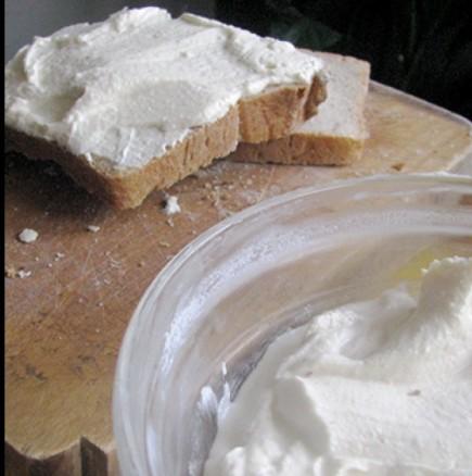 Как да си направите крема- сирене точно за 5 минутки
