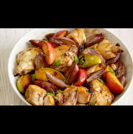 Не бързайте да се отказвате - звучи странно, но прави пилешкото безумно сочно и вкусно! Идеално съчетание!