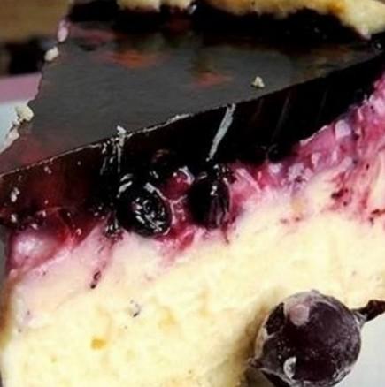 Хапка свежест в летните жеги: Разхлаждащ крем сладкиш с плодове