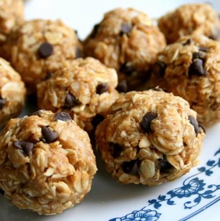 Непечени ергенски сладки - може да ги приготви и пълен профан в кухнята, а са супер вкусни и полезни