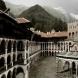 Болно 3-годишно момченце проходи в Рилския манастир