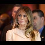 Никой не може да й даде истинската възраст: Ето как изглежда майката на Мелания Тръмп (Снимки)