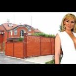 Надникнете в дома на Лепа Брена: Ето в какъв лукс живее известната певица (Галерия)