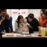 Днес в Черна любов: Кемал и Нихан празнуват заедно рождения ден на Дениз, а Айхан казва на всички, че с Лейля ще се оженят