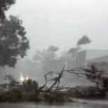 Синоптиците алармират-Мощен циклон се задава към България! Идват интензивни валежи, гръмотевици и градушки