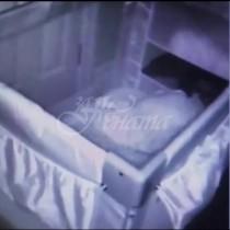 Млада жена се опита да разбере, защо бебето ѝ плаче през нощта и сложи скрита камера-Това, което видя смрази кръвта ѝ
