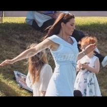 Всички се питат, защо тича Кейт Мидълтън!-Вижте и роклята ѝ на Зара!