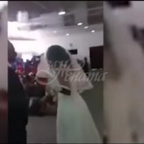 Одхвърлена изгора съсипа сватбата на бившия си, като се появи с булчинска рокля и направи скандал