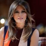Мелания Тръмп отново спечели погледите на всички с красивата си многоцветна рокля