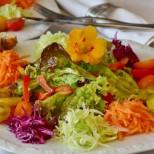 Защо като хапваме плодове и зеленчуци се подува коремът ни и имаме дискомфорт и как да се справим с него