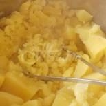 Сега ще ви изненадаме с една рецепта с картофи, за която едва ли сте чували някога