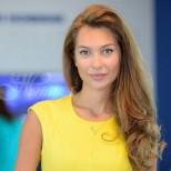 Никол Станкулова чака бебе!