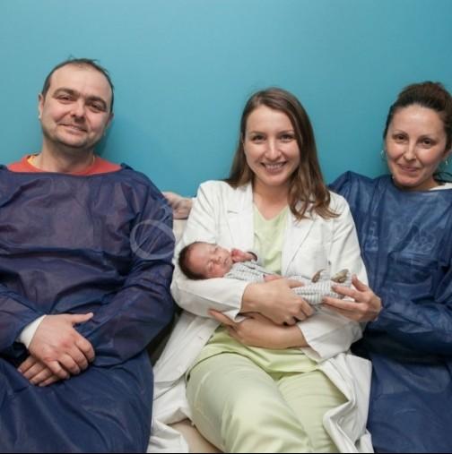 Чудо в световната медицина се случи у нас! Български лекар раздели сиамски близнаци в утробата на майката преди раждането