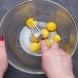 Бяха ми останали няколко варени жълтъка, взех ги и ако знаете какво изкушение приготвих за децата (видео)