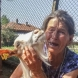 Историята на баба Дора, която обиколи социалните мрежи и разплака цяла България