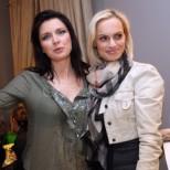 Жени Калканджиева и Ива Екимова предизвикаха истински фурор по бански с телата, които показаха
