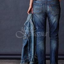 Резултати от проучване-Ето на каква възраст жените трябва да спрат да носят дънки!