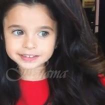 Всички порицават родителите на момиченцето с най-красивата коса на света