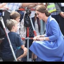 Защо Кейт Мидълтън никога не съблича палтото си на публично място