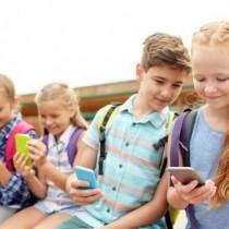 Ето къде забраниха мобилните телефони в училищата