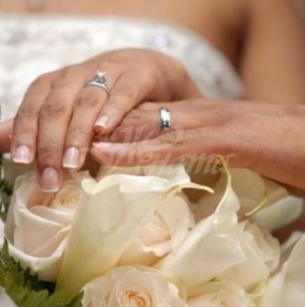 Защо в България вчера имаше стотици сватби