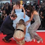 Най- големите модни издънки от червения килим във Венеция тази година (снимки)