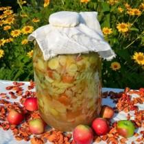 Трите най-добри рецепти за домашен ябълков оцет