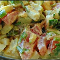 Това е любимата ми лятна салата с тиквички, само това ям и пак не ми писва, препоръчвам я горещо на всички любители на този зеленчук