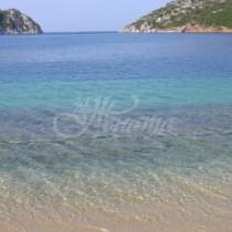 Българка е изгубила уникална гравирана халка на плажа-По чудо е открита от друга жена, която търси собственичката-Снимка
