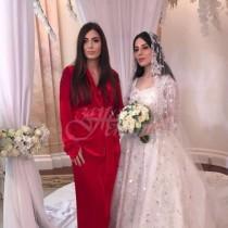 Сватбената рокля струва 195 000 паунда, но защо това е най-тъжната булка на най-тъжната сватба на света!