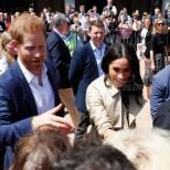 Принц Хари отново наруши протокола с почитателка в Австралия