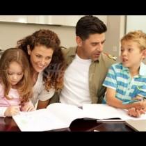 Какви родители сте според зодията: Телец-Родени за родители, Близнаци-Най-забавните и отдадени родители
