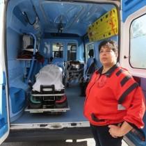 Дежурната фелдшерка Илияна Петрова, която помогна за раждане на близнаци сподели-Едното в линейката, другото в асансьора