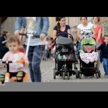Предлагат да отпадне плащането на отпуск по време на майчинство