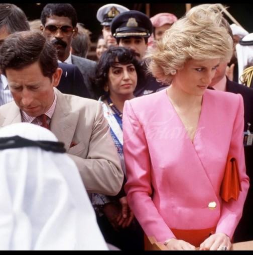 Разкриха поредната тайна-Причината принцеса Даяна да ходи често с наведена глава
