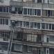 Младоженец взе булката с пожарникарска стълба от 6-ти етаж на блока
