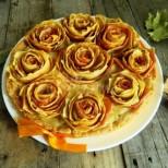 Няма равен по красота и вкус - уникален ябълков пай на розички! Ето колко лесно става: