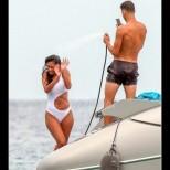 Гришо и приятелката му Никол закачливо демонстрираха любовта си на парти /снимки/