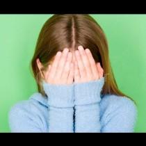 Момичето получи първото си месечно неразположение в автобуса: Тогава момчето  прошепна 3 думи, от които момичето замръзна