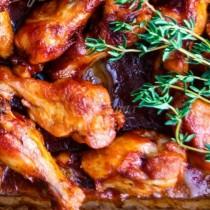 С тази рецепта ще забравите за пържените: пилешки крилца с чудна хрупкава коричка на фурна