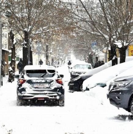 Дежурният синоптик към БАН: Жълт код за дъжд и сняг за неделя!